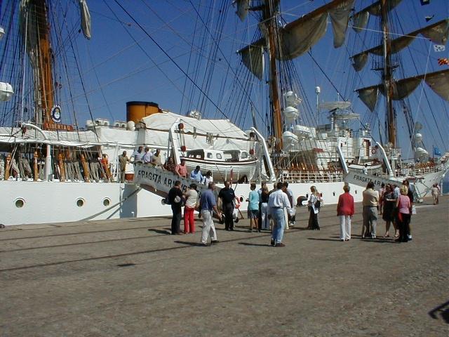 Los Fedriani en el buque Libertad