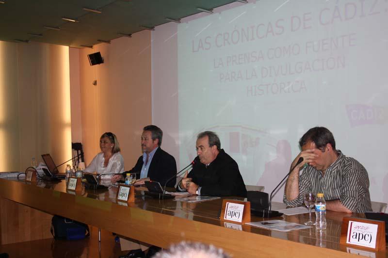 """Hilda Martín y """"La prensa como fuente para la divulgación histórica"""""""