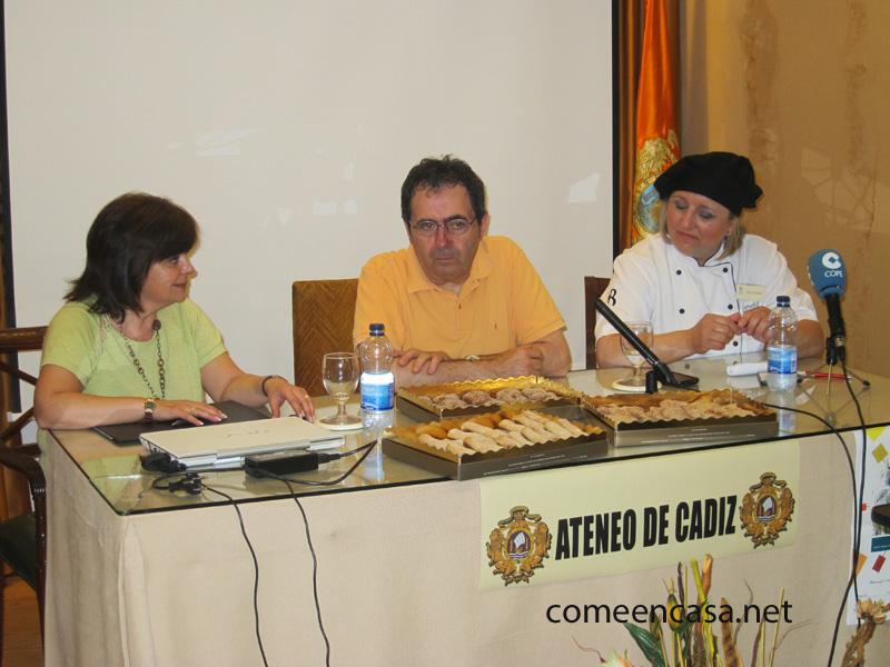 Oneto clausura las Tertulias Gastronómicas del Ateneo de Cádiz