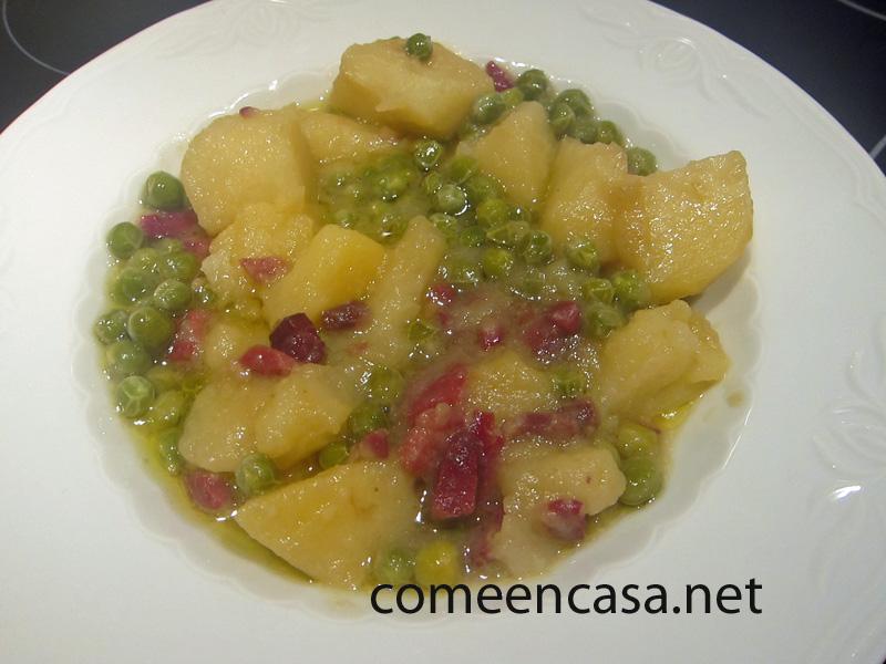 Patatas con guisantes