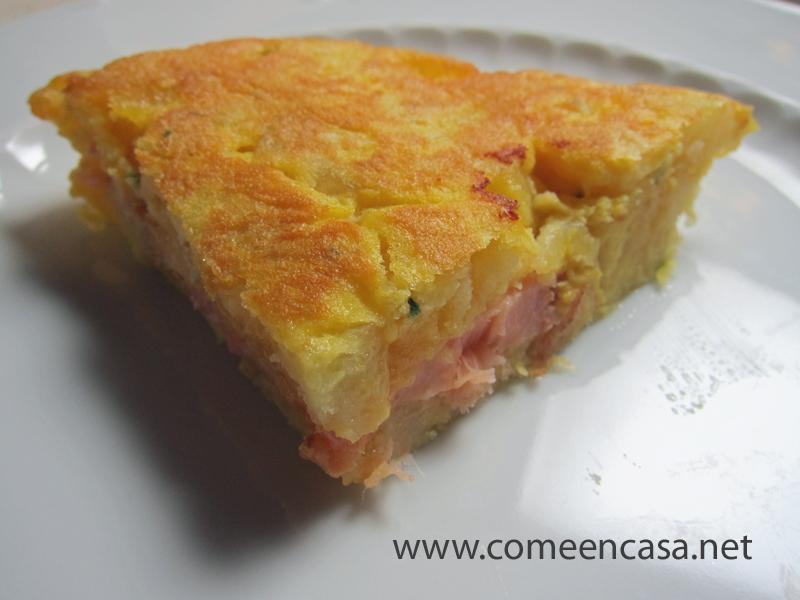 Tortillología: tortilla de patatas y salmón ahumado