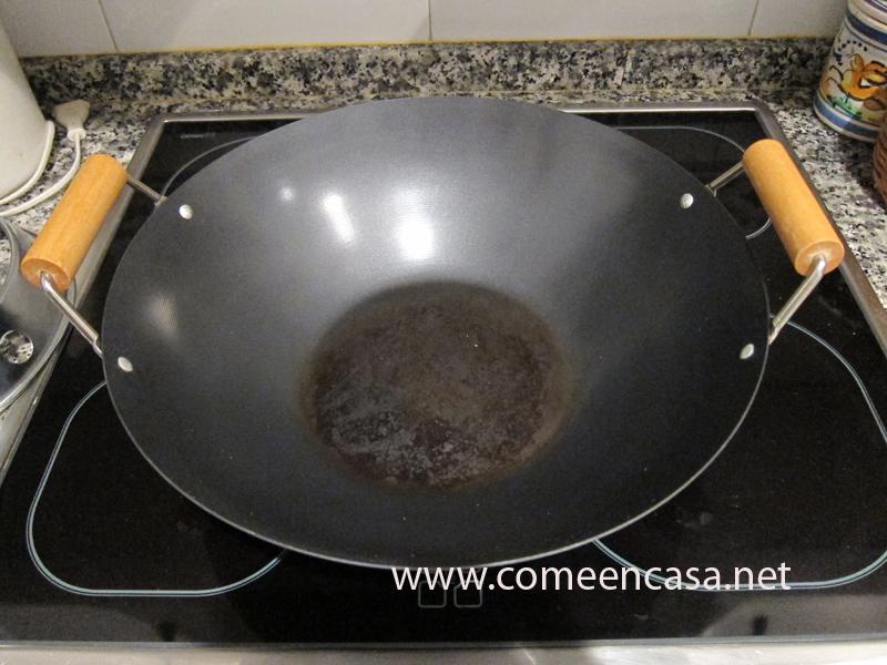 cocinar con wok come en casa