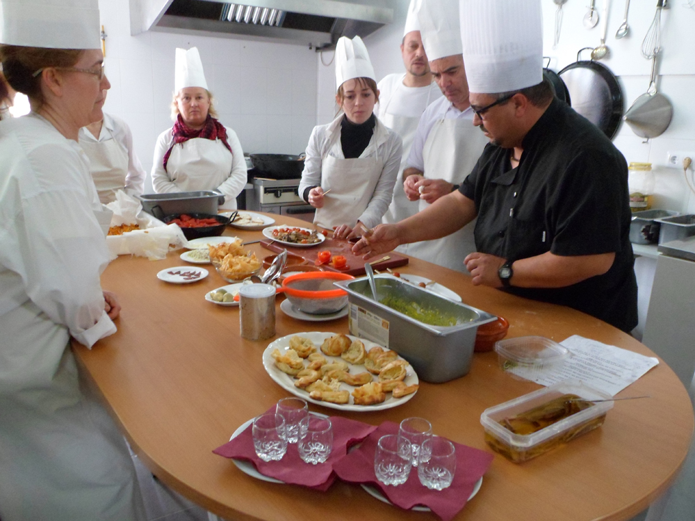 Clases de cocina en barbate come en casa for Cursos de cocina en badajoz