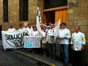 Por la Escuela de Hostelería de Cádiz, plantilla y alumnos