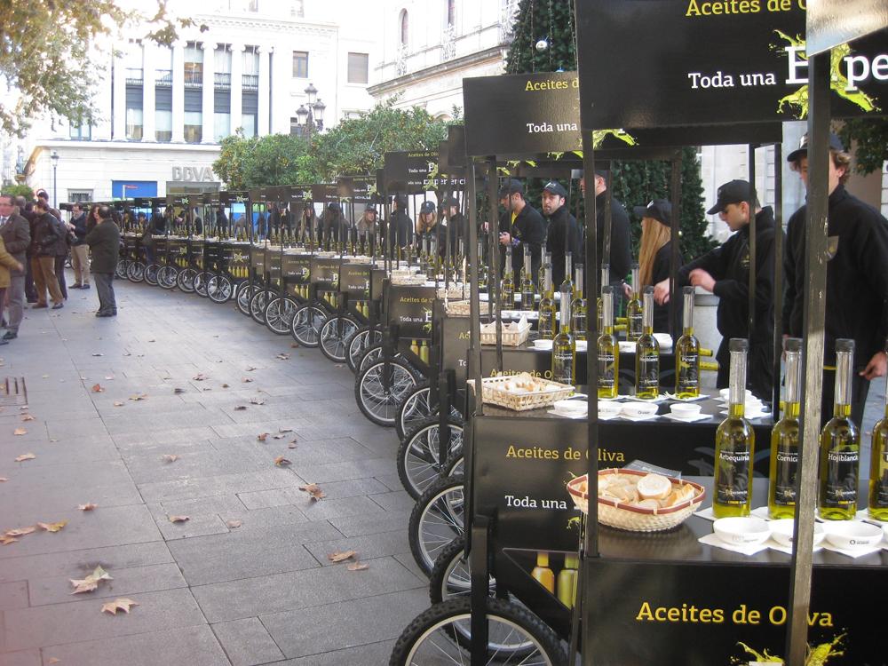 Catas de aceite en las calles de Sevilla