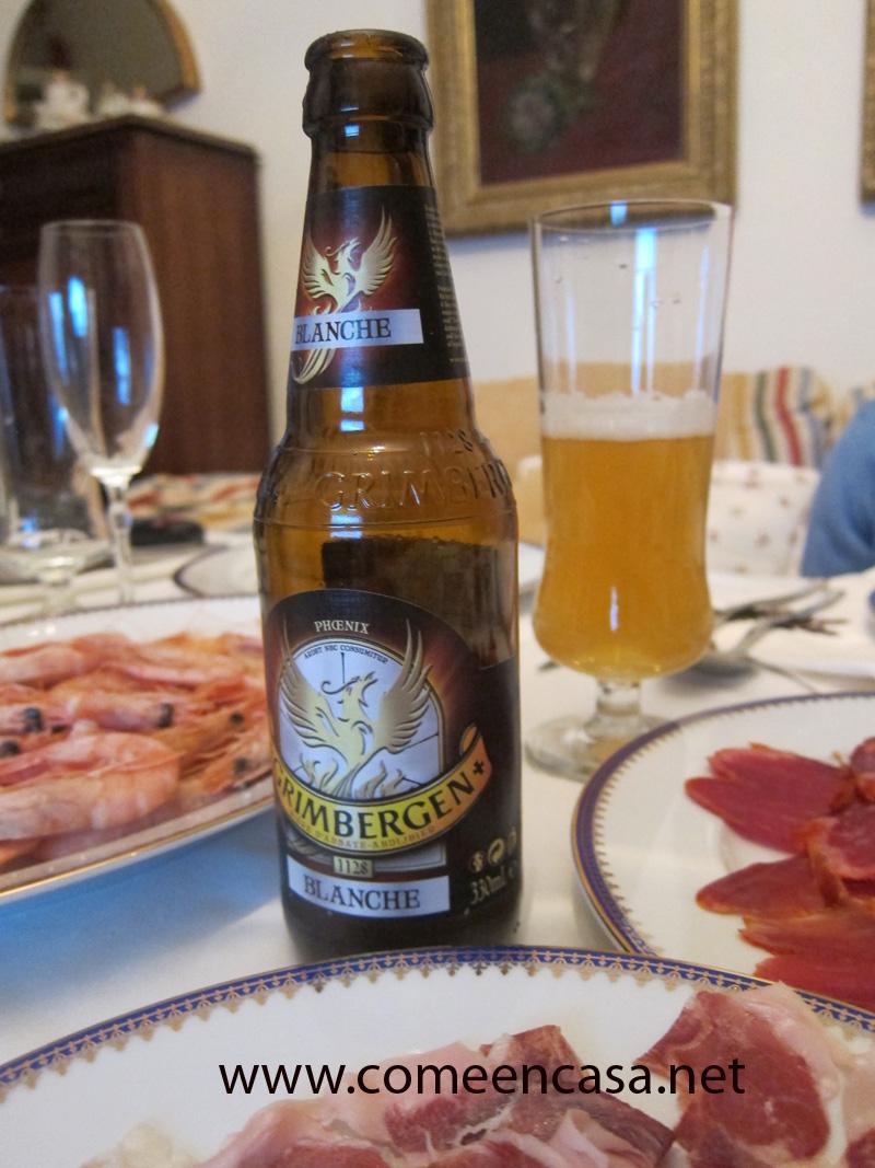 Cerveza Grimbergen en la mesa