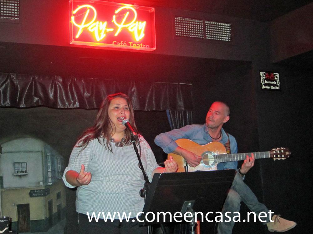 Verónica y Paco en el Pay-Pay
