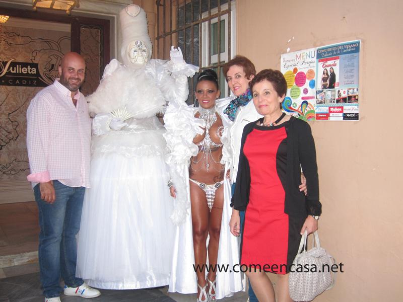 Fiesta aniversario en La Teta de Julieta
