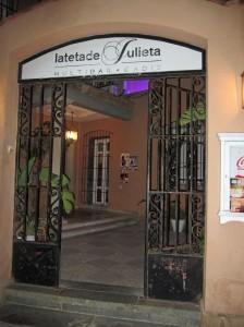 Cena La Teta de Julieta1