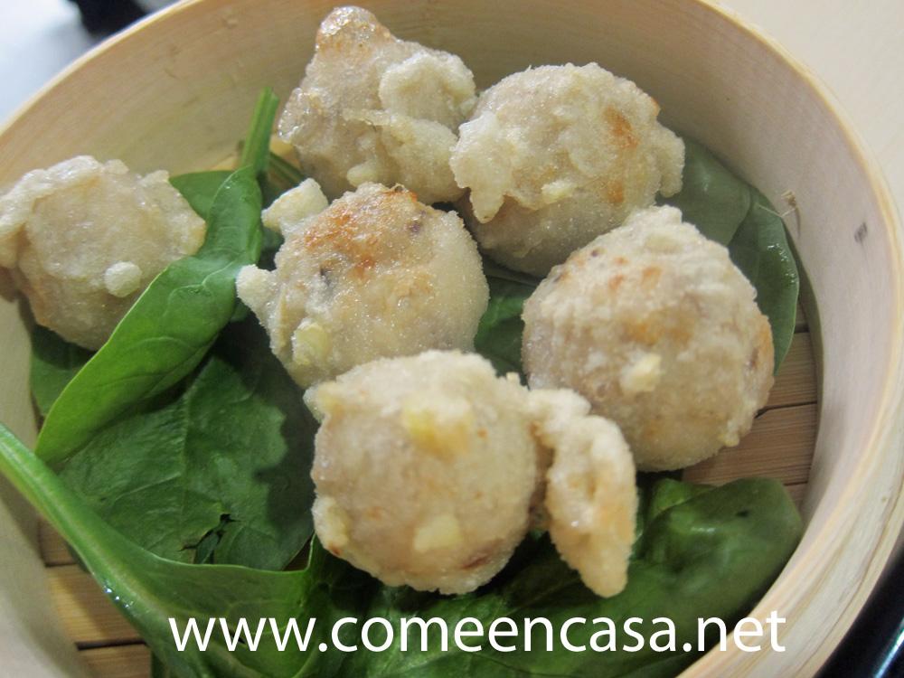 Croquetas de shiitake en tempura de castañas