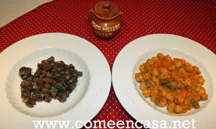 Dos platos con manteca colorá