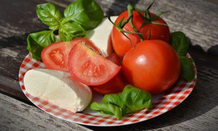 5 sencillos pasos para elaborar una ensalada mediterránea