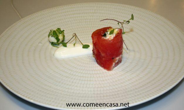 Canelón de tomate y albahaca