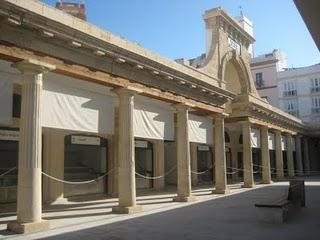 Reabre el mercado de abastos en Cádiz