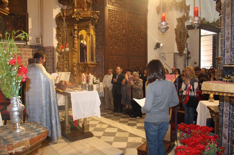Armenios de hoy con el Nazareno de Cádiz