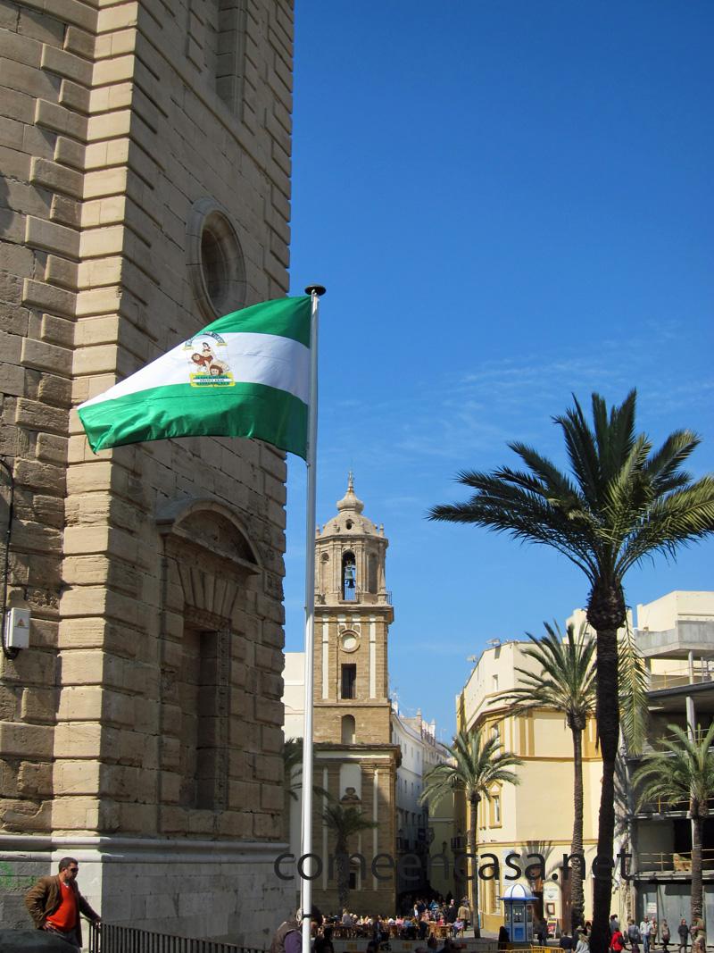 Izado de la bandera andaluza en Cádiz