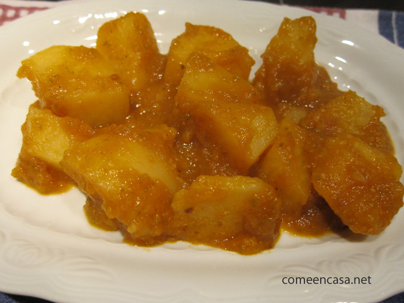 Patatas en pimentón