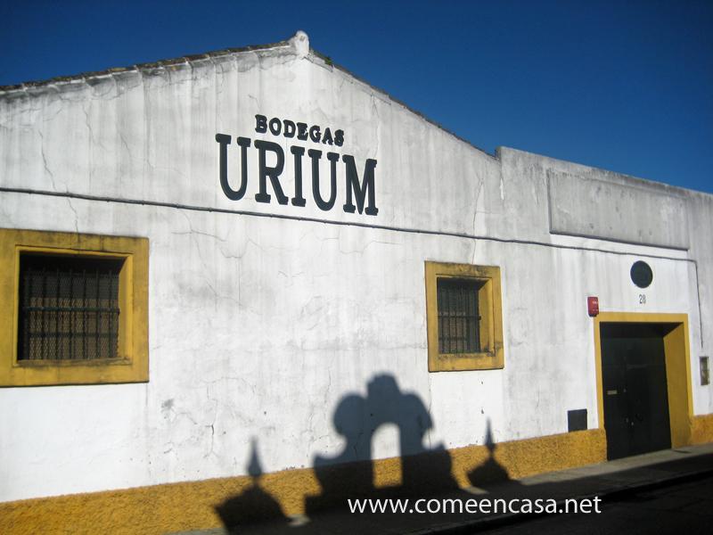 Encuentro en las Bodegas Urium