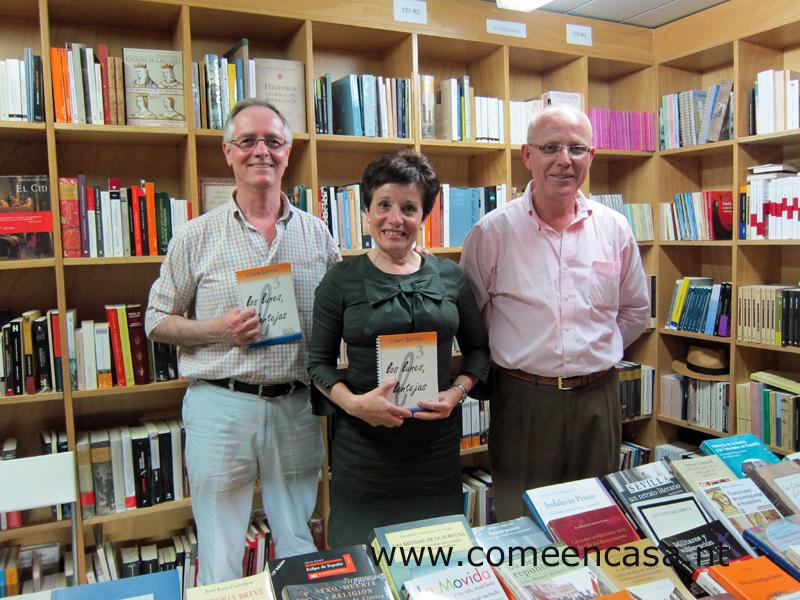 Feliz entre escritores, libros y libreros