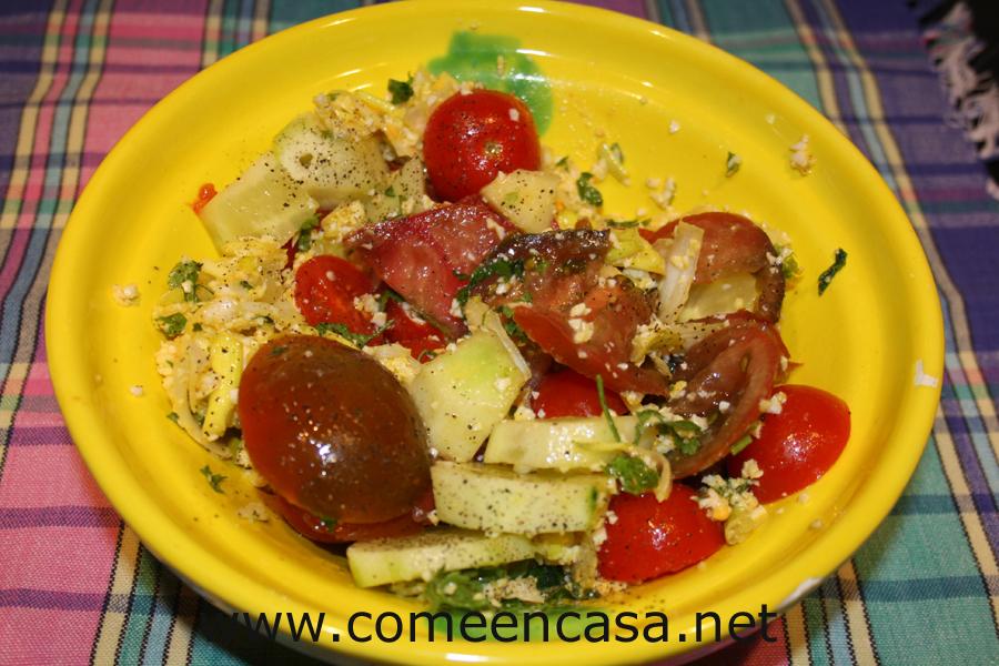 Patatas en salsa de huevo duro