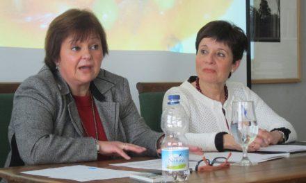 María Luisa Ucero presenta su libro en Sevilla