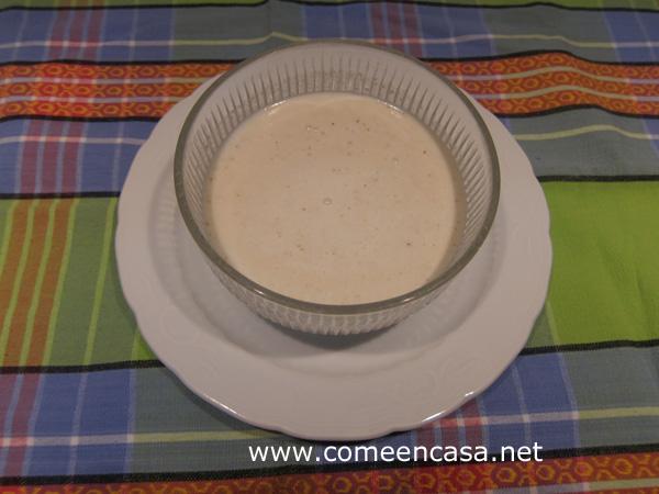 Sopa fría de yogur y pepino