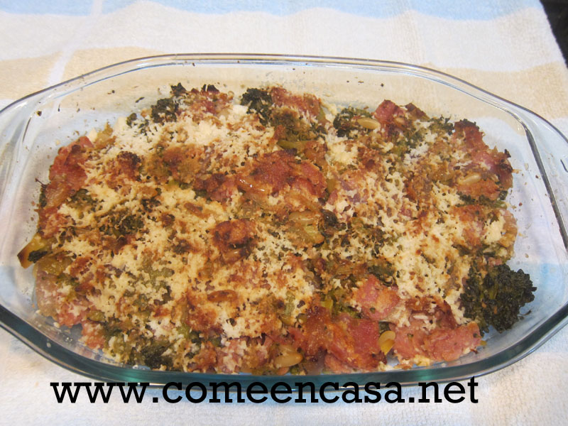 Pastel de brócoli, jamón y queso