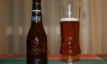 Cerveza en copa y en el solomillo