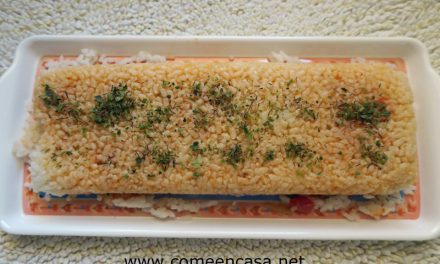 Pastel de arroz con salmón