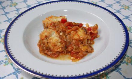 Rape en salsa con tomates