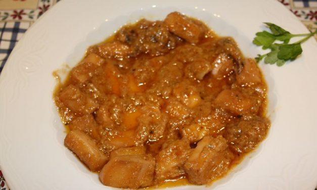 Choco en salsa de Barbate, receta del verano